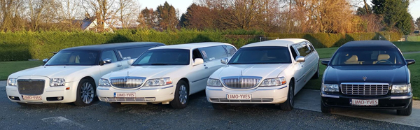 Vier limousines Chrysler, Cadillac en Lincoln van limousines Yves
